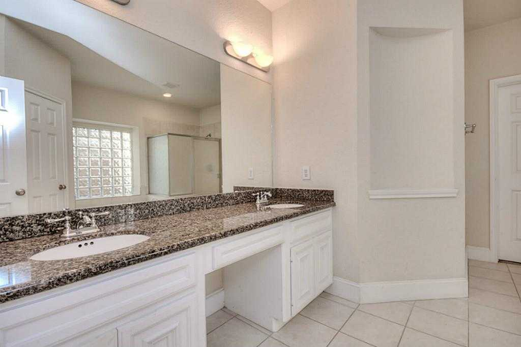 Sold Property | 11102 SHERWOOD GARDENS DR Houston, TX 77043 19