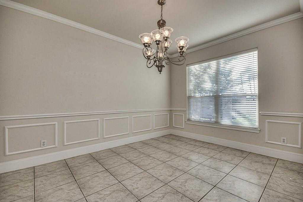 Sold Property | 11102 SHERWOOD GARDENS DR Houston, TX 77043 4