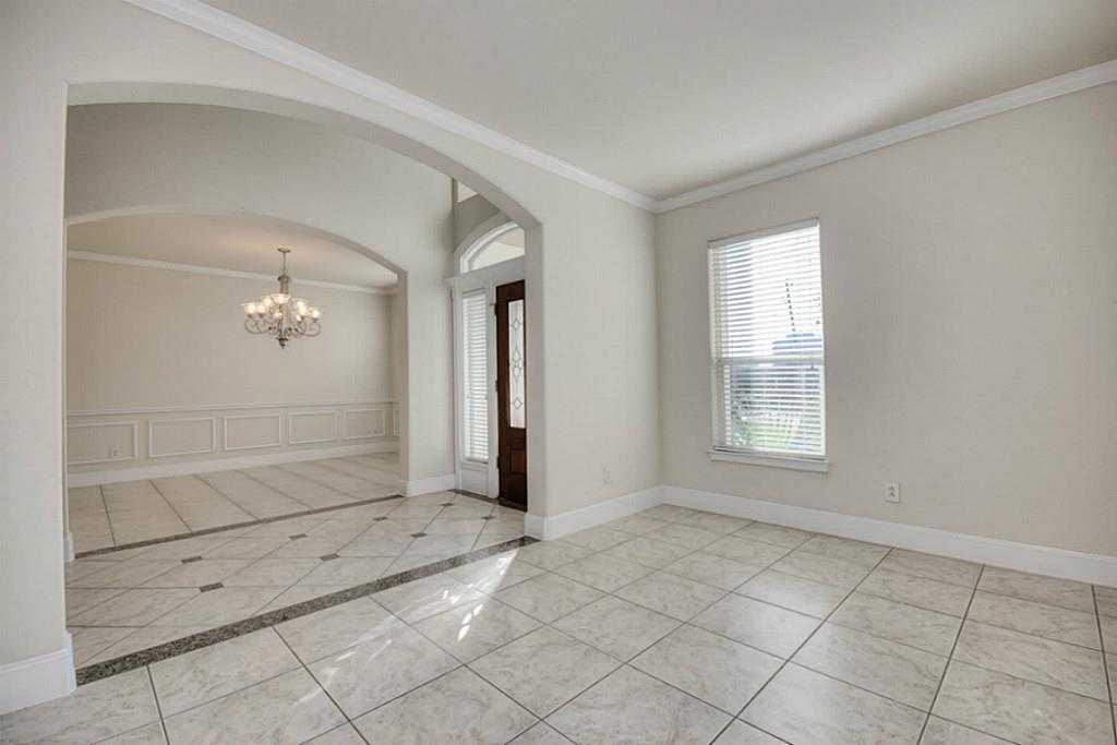 Sold Property | 11102 SHERWOOD GARDENS DR Houston, TX 77043 6