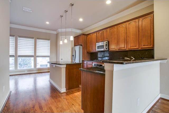 Sold Property | 4222 Holland Avenue Dallas, Texas 75219 11