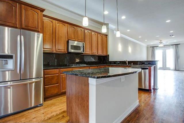 Sold Property | 4222 Holland Avenue Dallas, Texas 75219 12