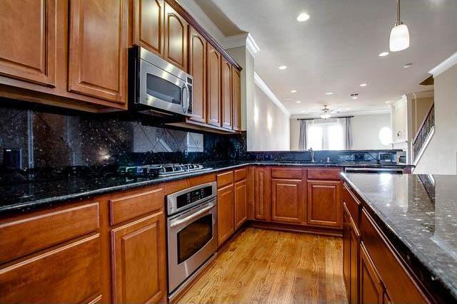Sold Property | 4222 Holland Avenue Dallas, Texas 75219 13