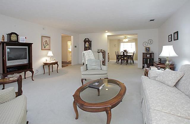 Sold Property | 7338 Crownrich Lane Dallas, Texas 75214 10