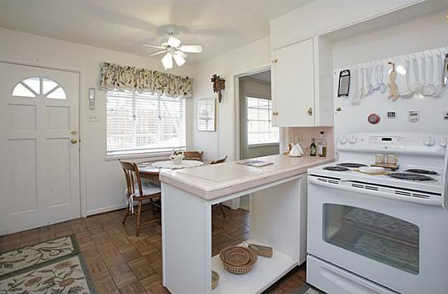 Sold Property | 7338 Crownrich Lane Dallas, Texas 75214 13