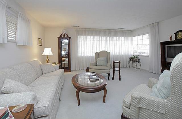Sold Property | 7338 Crownrich Lane Dallas, Texas 75214 8