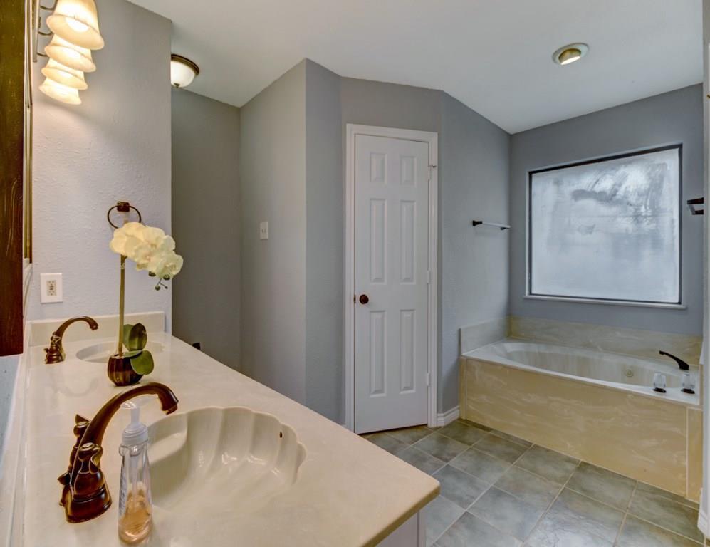 Sold Property | 512 Wisterglen Drive DeSoto, Texas 75115 12