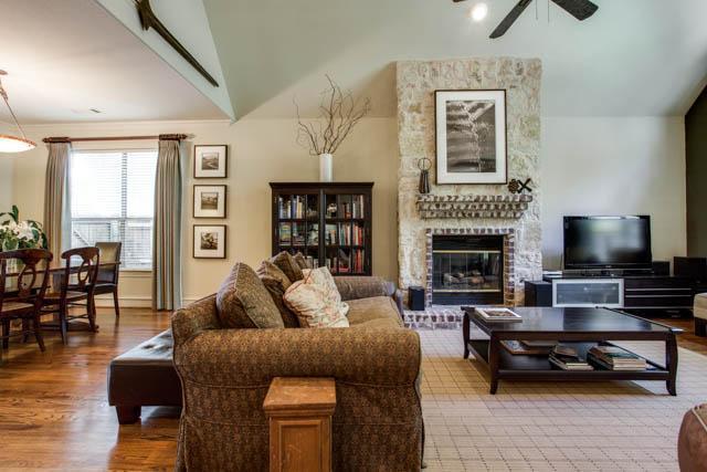 Sold Property   6315 Palo Pinto Avenue Dallas, Texas 75214 4