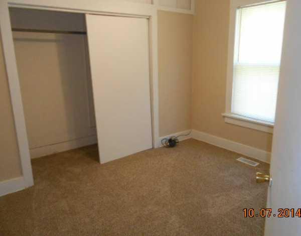 Closed | 207 N. VINE  Commerce, OK 74339 4