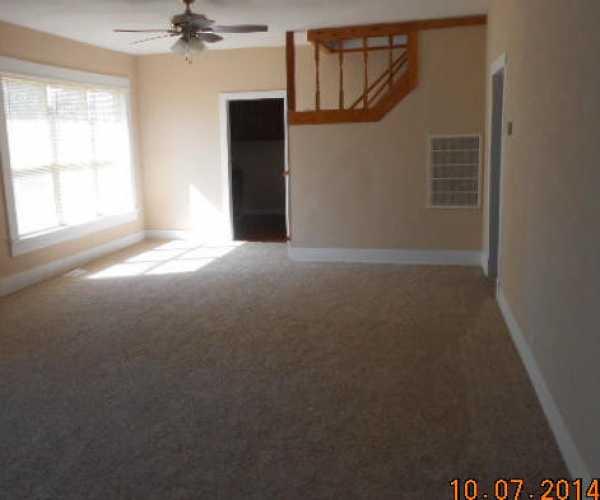 Closed | 207 N. VINE  Commerce, OK 74339 9