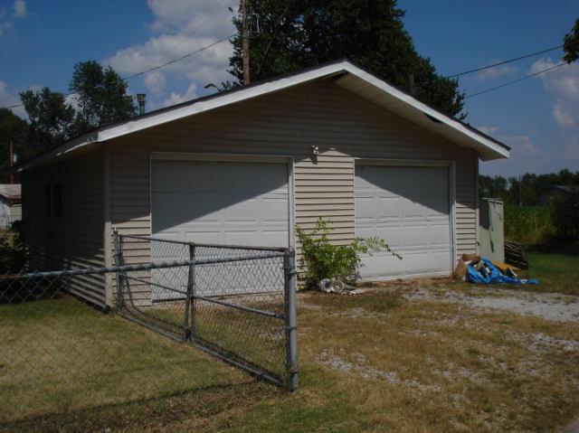 Closed | 200 L Street Commerce, OK 74339 4