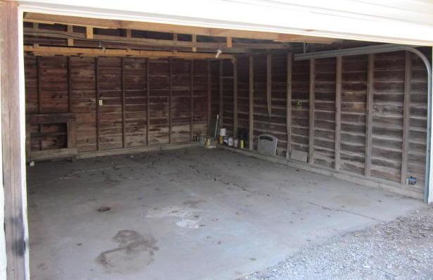 Closed   624 W Tahlequah ave Vinita, OK 74301 8