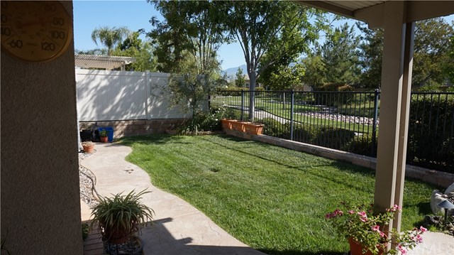 Closed | 168 Potter  Beaumont, CA 92223 38