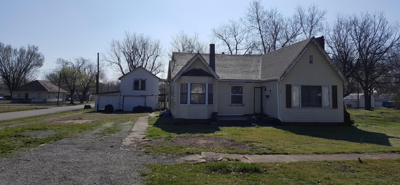Closed | 548 N THOMPSON Street Vinita, OK 74301 1
