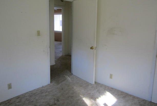Closed | 1107 L Miami, OK 74354 6