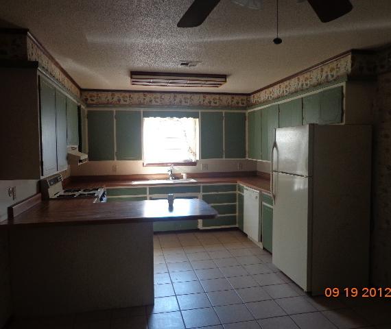 Closed | 804 Sunset Strip  Miami, OK 74354 2