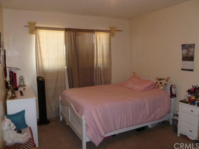 Closed | 9501 Tangelo Avenue Fontana, CA 92335 7