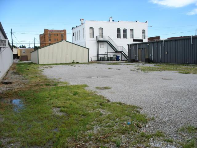 Closed   135 E CANADIAN ave Vinita, OK 74301 3