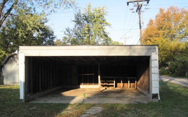 Closed | 501 S Gunter Street Vinita, OK 74301 2