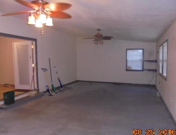 Closed   4 Jackson Street Quapaw, OK 74363 16