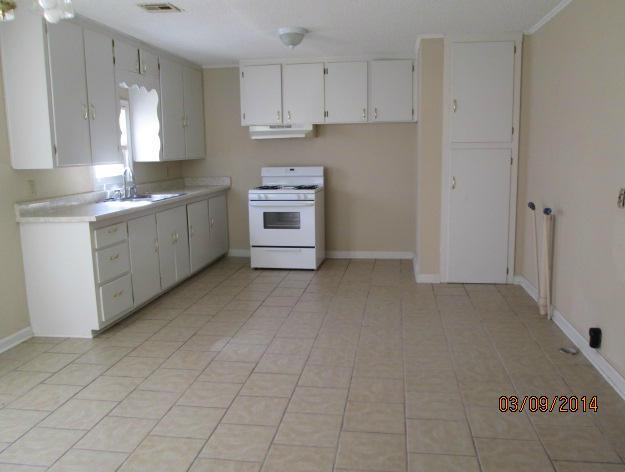 Closed | 816 C Street Miami, OK 74354 9