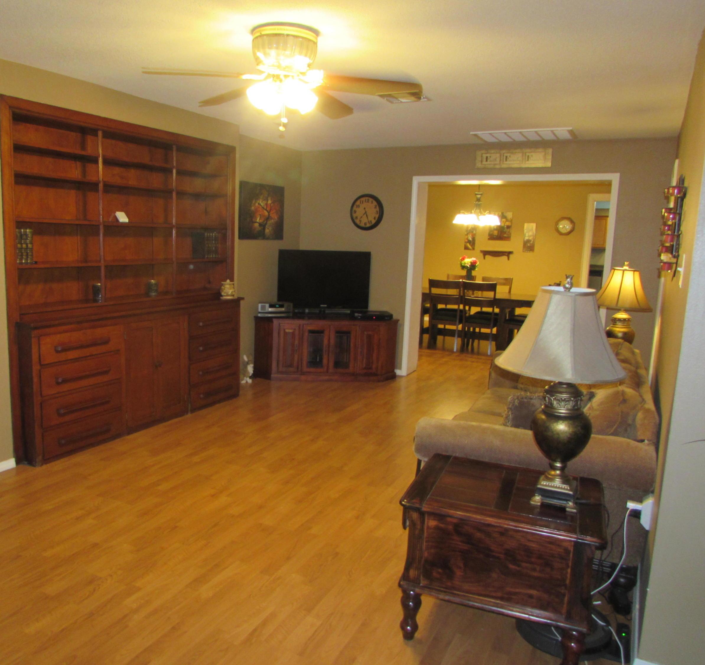 Closed | 505 W Delaware ave Vinita, OK 74301 11
