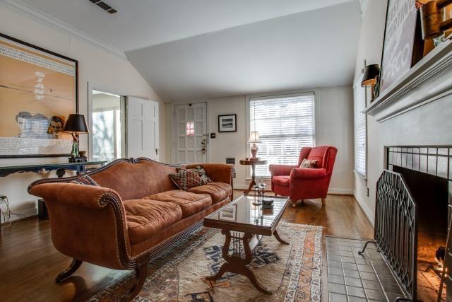 Sold Property | 6103 Mccommas Boulevard Dallas, Texas 75214 5