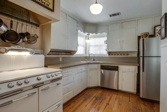 Sold Property | 6103 Mccommas Boulevard Dallas, Texas 75214 9