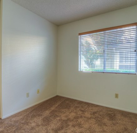 Closed   1366 Fairway Oaks Avenue Banning, CA 92220 18