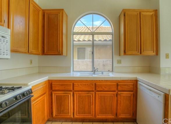 Closed   1366 Fairway Oaks Avenue Banning, CA 92220 3