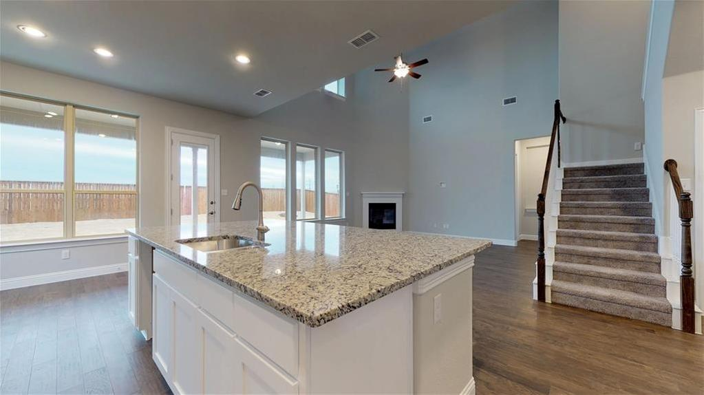 Sold Property | 1729 Bellinger Drive Fort Worth, Texas 76052 3