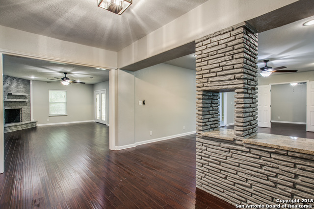 Active Option | 106 Roleto Drive  Castle Hills, TX 78213 4