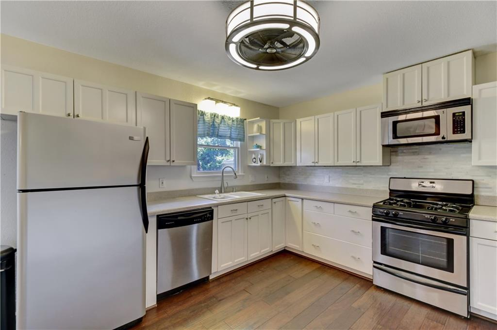 Sold Property | 5109 Malinda Lane Fort Worth, Texas 76112 3