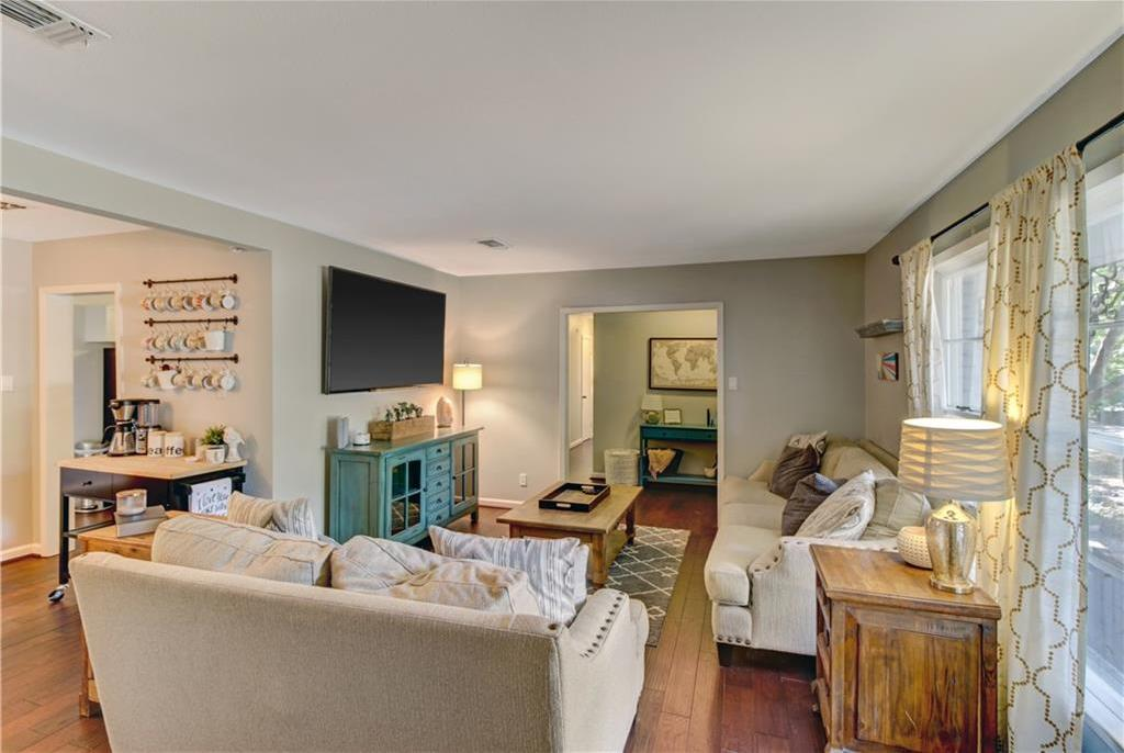 Sold Property | 5109 Malinda Lane Fort Worth, Texas 76112 8