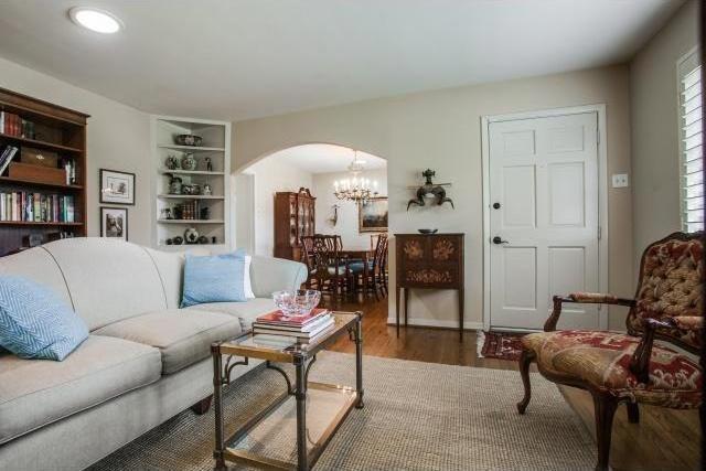 Sold Property | 7048 Irongate Lane Dallas, Texas 75214 3