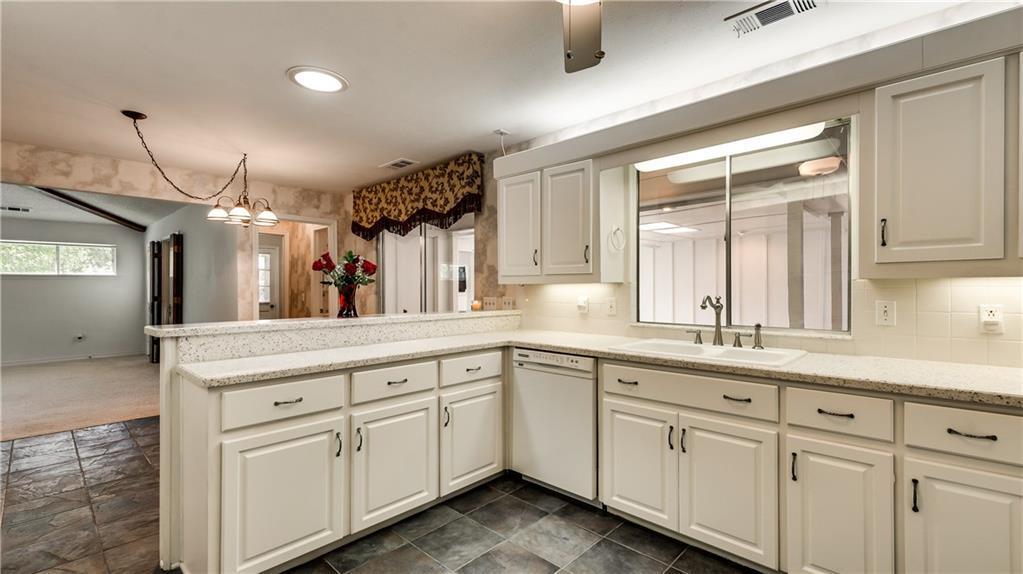 Sold Property | 4224 Royal Ridge Drive Dallas, Texas 75229 10