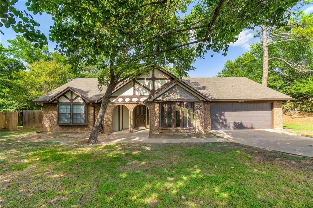 homes for sale in arlington, real estate in arlington, house with a pool, martin high school house | 4201 Del Norte Drive Arlington, Texas 76016 2