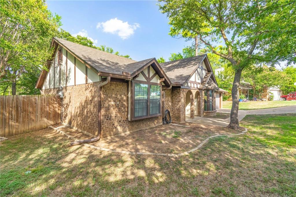 homes for sale in arlington, real estate in arlington, house with a pool, martin high school house | 4201 Del Norte Drive Arlington, Texas 76016 4