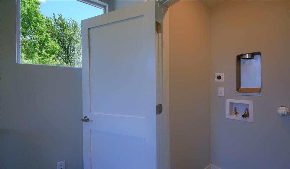 Sold Property | 6913 Providence ave #B Austin, TX 78752 25