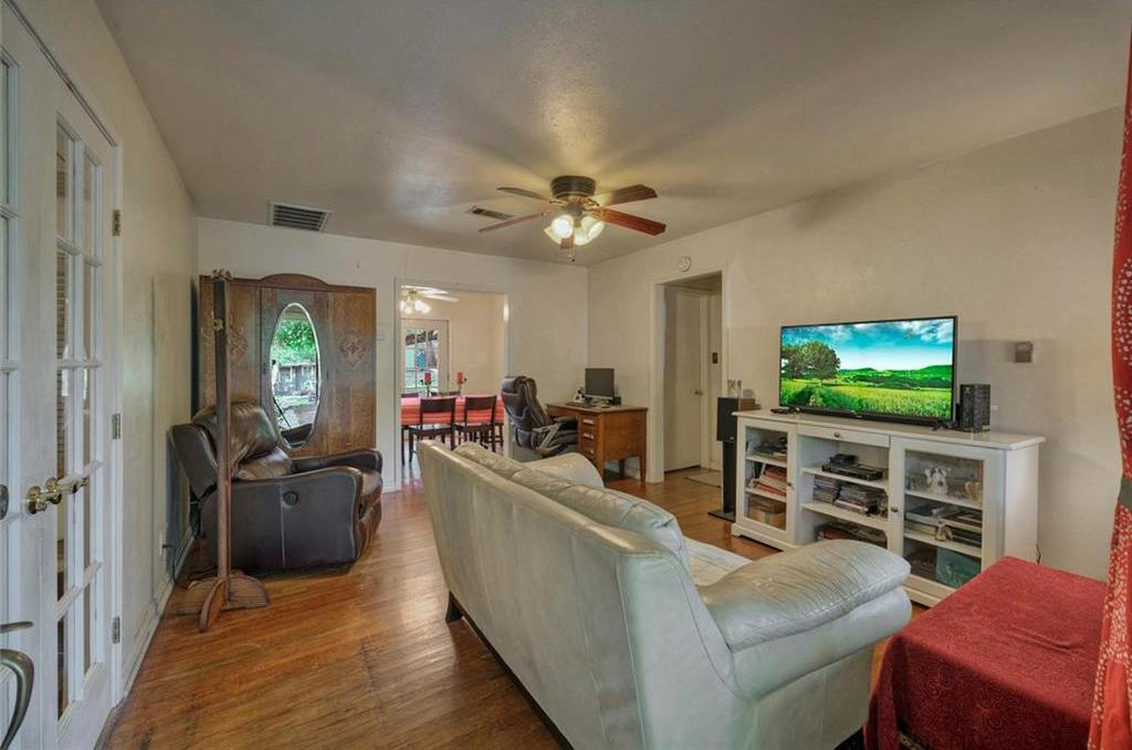 Active   1903 Winsted Lane Austin, TX 78703 2