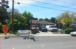 Pending | 3552 SPRING Street Redwood City, CA 94063 0
