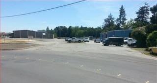 Pending | 3552 SPRING Street Redwood City, CA 94063 2