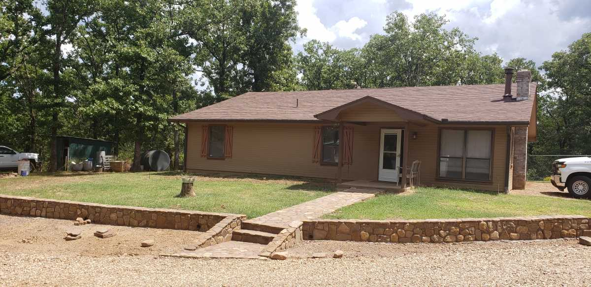 Active | 34402 Holson Valley Rd Wister, OK 74966 2