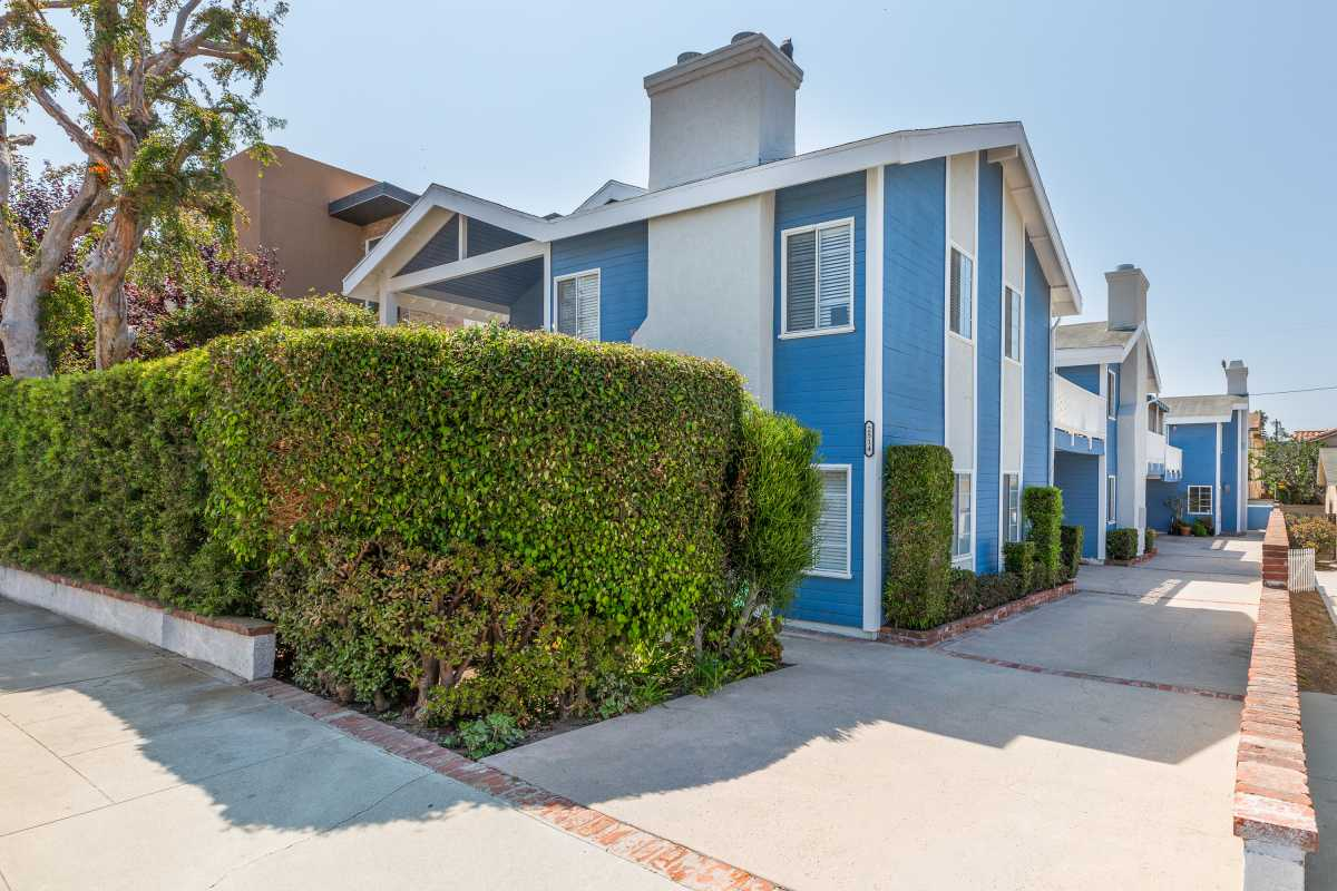 Closed | 2514 Nelson Avenue #3 Redondo Beach, CA 90278 2