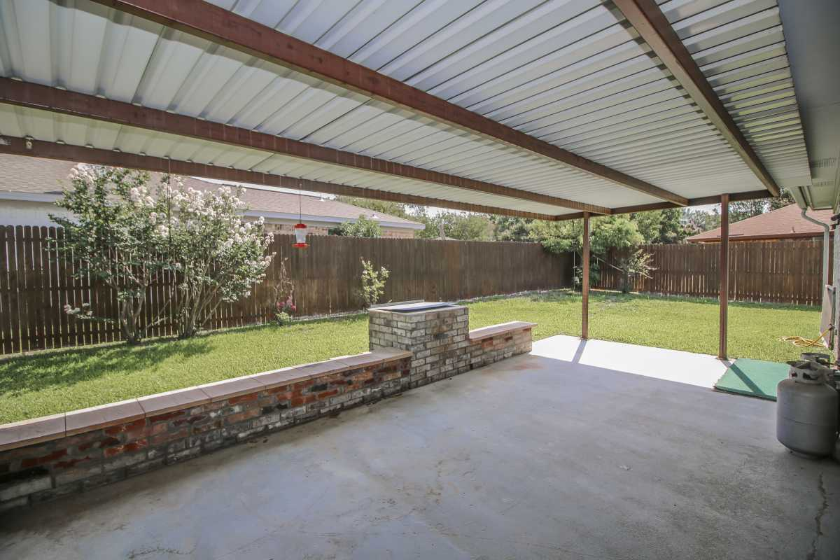 Sold Property | 1206 Oakmont Court Mansfield, Texas 76063 3