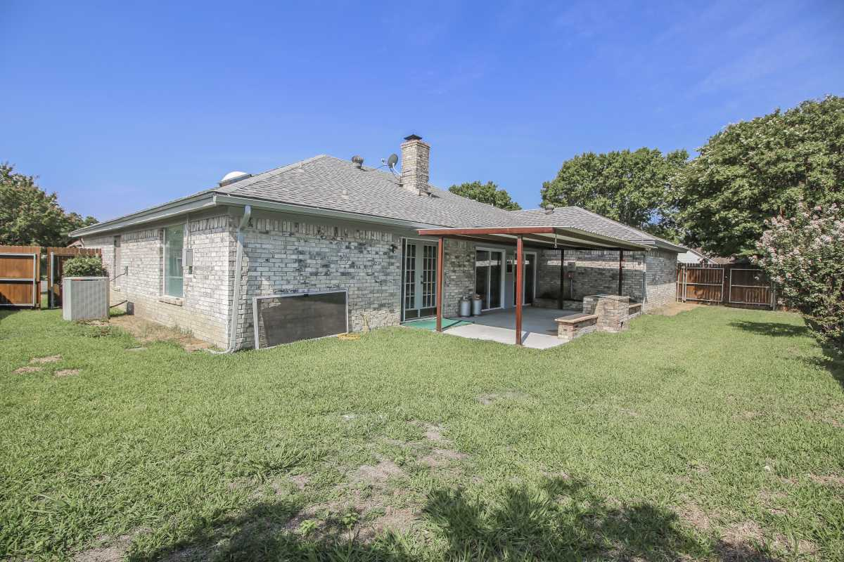 Sold Property | 1206 Oakmont Court Mansfield, Texas 76063 2