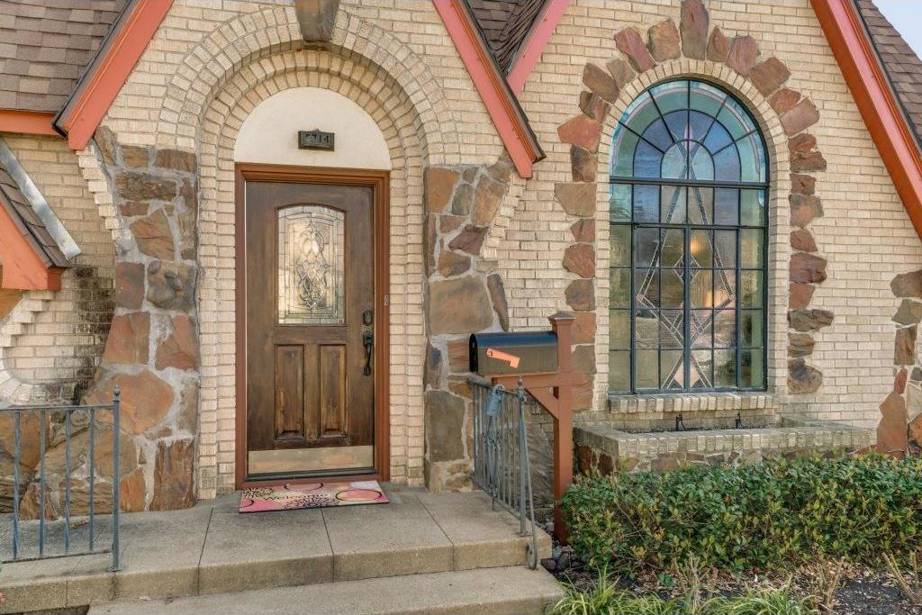 Sold Property | 5714 Ellsworth Avenue Dallas, Texas 75206 2