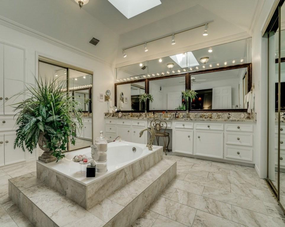Sold Property | 6816 Gaston Avenue Dallas, Texas 75214 17