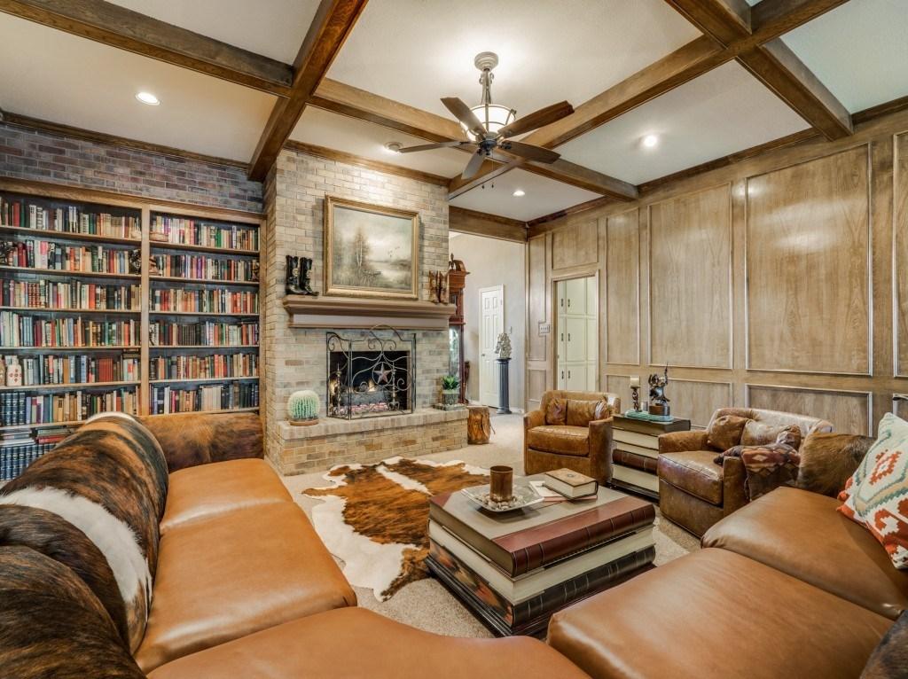 Sold Property | 6816 Gaston Avenue Dallas, Texas 75214 4