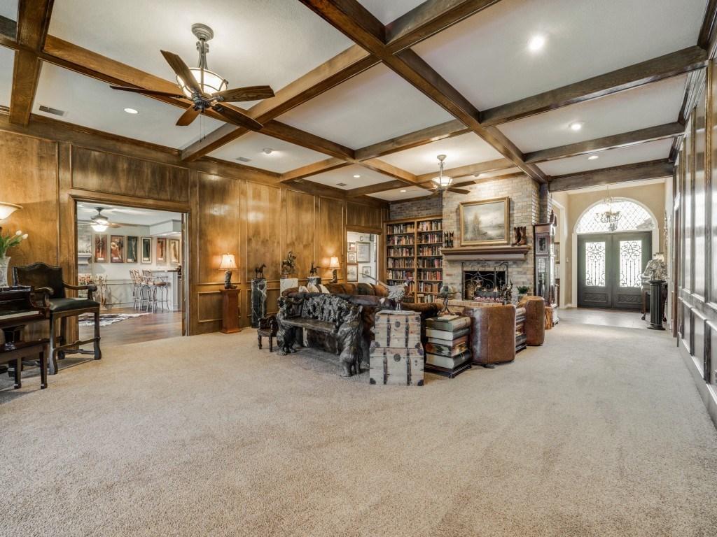 Sold Property | 6816 Gaston Avenue Dallas, Texas 75214 5