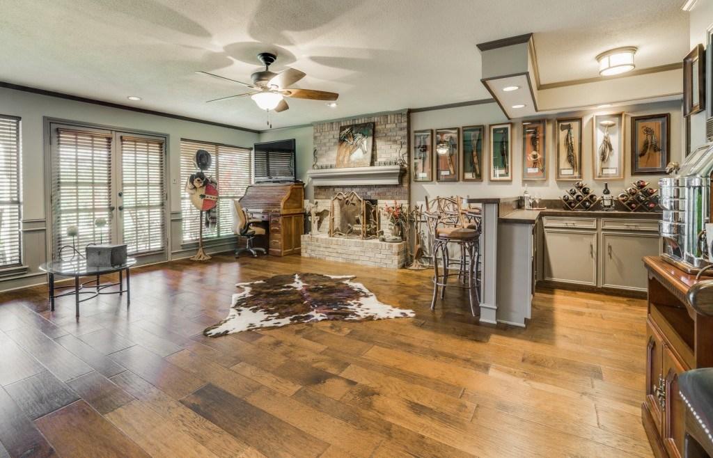 Sold Property | 6816 Gaston Avenue Dallas, Texas 75214 8
